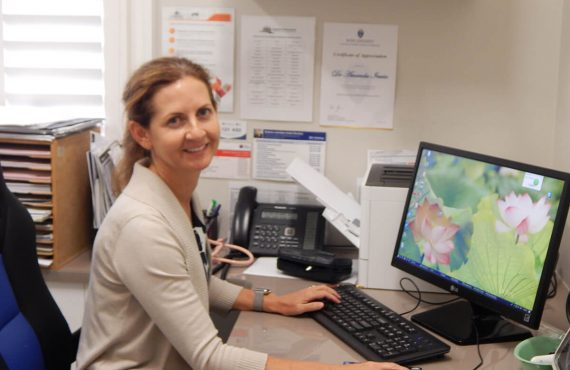 Dr Amanda Irwin